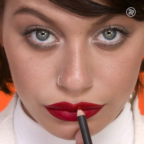 A classic red lip never gets old - top_make_up_pintennium