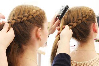 Einfache Flechtfrisuren In Nur 5 Minuten So Geht S Flechtfrisuren Geflochtene Frisuren Lange Haare Madchen