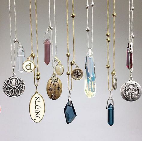 Expandable, precious necklaces and unique charms | ALEX AND ANI CHAIN STATION
