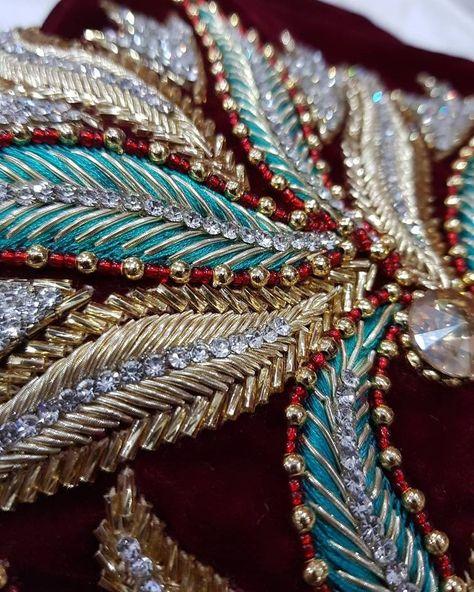 fashion embroidery в Instagram: «@designsymk #urbancouture #embroidery #embellishement #sequins #couture #handmade #partydress #вышивкаоткутюр #fashionkilla #highfashion…»