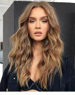 صبغة غارنييه بني Garnier Brown تعتبر احد درجات صبغة غارنييه المتعددة وتعتبر الدرجة البنية من صبغة غ Hair Styles Garnier Hair Color Brown Beautiful Bridal Hair