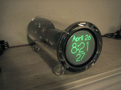 Cathode Corner Scope Clock is am amazing clock built using CRT - kleine k amp uuml che tipps