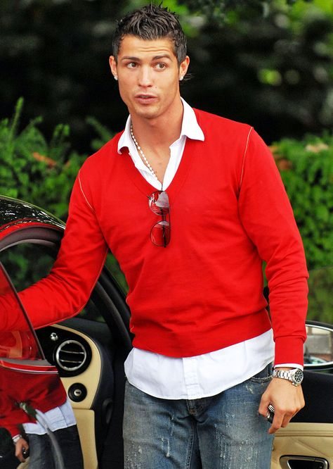 Cristiano Ronaldo who currently plays Soccer for Real Madrid is seen here wearing a SS Rolex Daytona. He reportedly earned 73million in 2013 This Rolex watch looks striking!