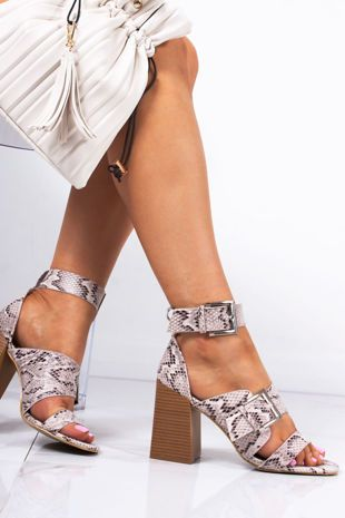 Lavish Luxe Block Heels Sandal Strappy Block Heel Sandals Toe Loop Sandals