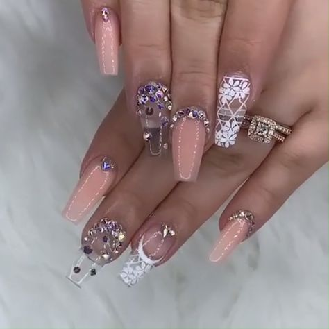 What an amazing combination! This nail set is goals!!