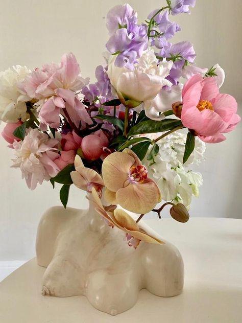 Breast Friend Vase Marble