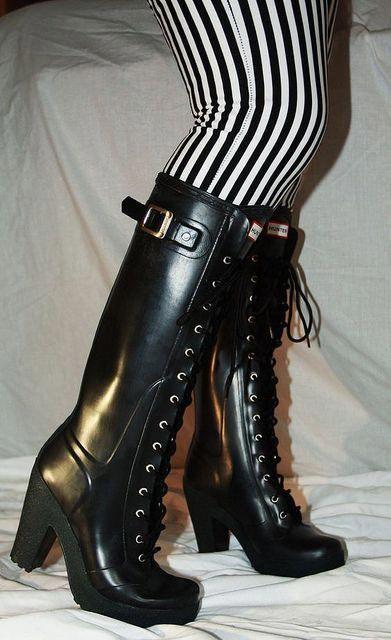High heel rubber boots & wellies's media statistics and analytics