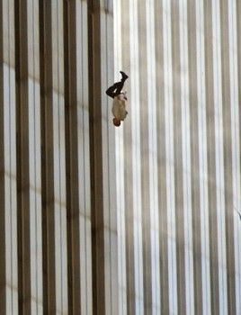Lovely During The 9/11 Attacks, Many Of Those On The Top Floors Of The Twin Towers  Were Trapped. Trying To Escape From The Heat, Many Of Them Had No Choicu2026