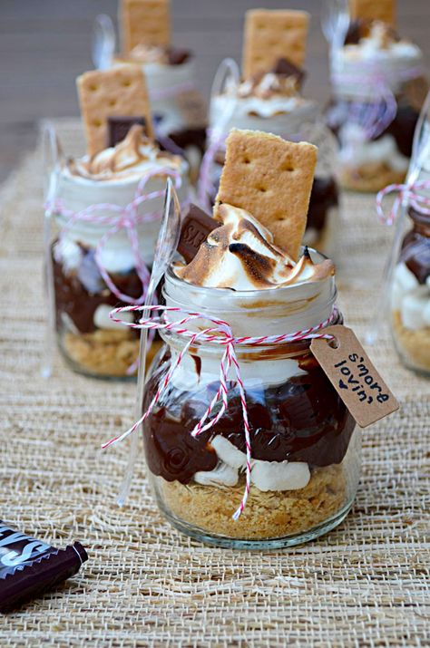 S'mores Treats in Mini Mason Jars (great for party favors, wedding favors, cute desserts, presents, or just because!)