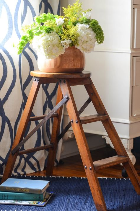 Antique Library Step Stool With Images Step Stool Stool Makeover Stool