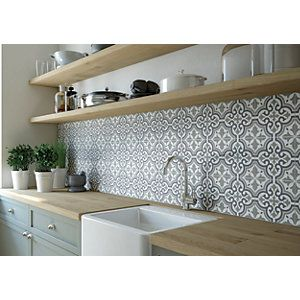 Wickes Central Park Patterned Ceramic Tile Sample 316 X 316mm Wickes Co Uk Patterned Kitchen Tiles Kitchen Splashback Tiles Kitchen Wall Tiles