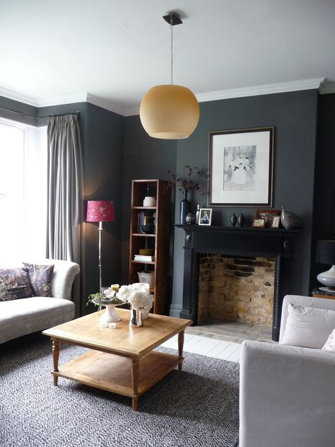 Decorating with dark colours, grey lounge. | salon in 2019 ...
