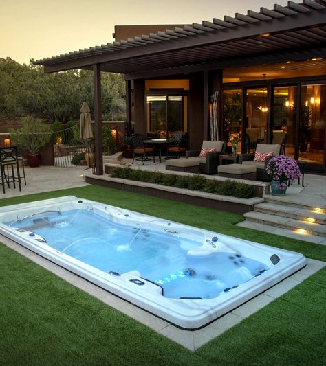 Backyard Ideas for your Michael Phelps Swim Spa - Modern Design Jacuzzi Outdoor Hot Tubs, Hot Tub Backyard, Small Backyard Pools, Backyard Pool Landscaping, Backyard Pool Designs, Swimming Pools Backyard, Backyard Ideas, Swimming Spa, Patio Ideas