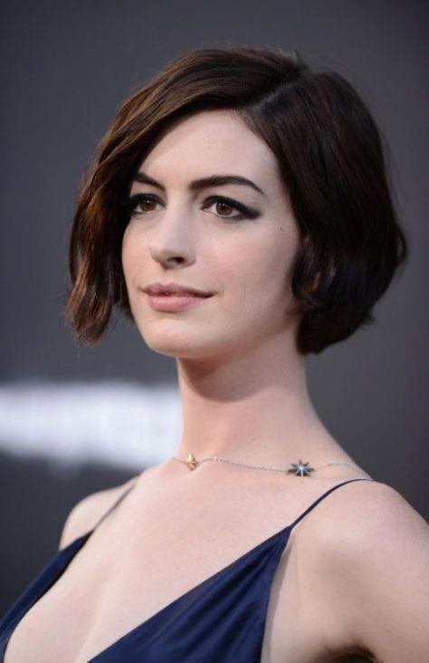 15 Auffällige Asymmetrische Bob Frisuren Für Frauen