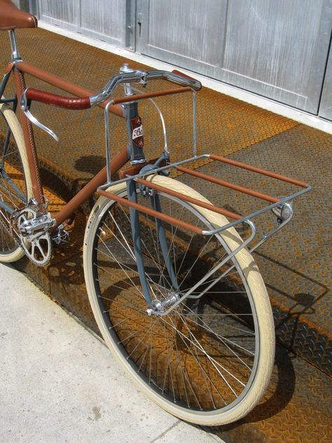 closer at detailing good Diaporama | Bicycles / Ποδήλατα | Velo solex, Bicyclette ...