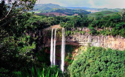 شلالات تاماريند بمدينة كوريبيب في موريشيوس Garden Arch Waterfall Outdoor