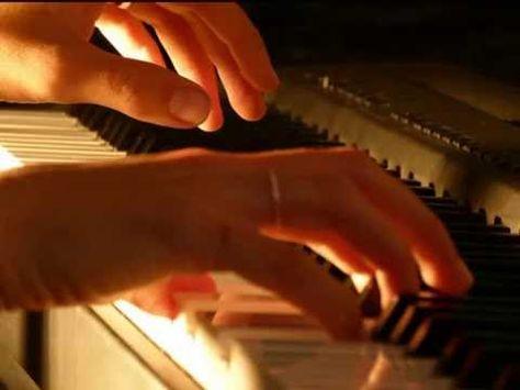 PIANO ROMANTICO - GRANDES EXITOS. Selección de Cecil González