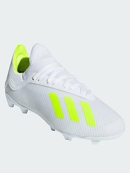 White football boots, Soccer boots
