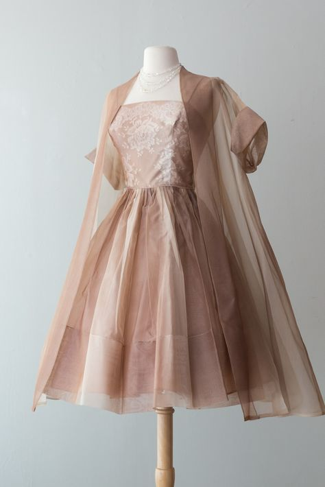 Sheer swing coat vintage party dresses, vintage outfits, wedding dresses, v Pretty Dresses, Women's Dresses, Beautiful Dresses, Fashion Dresses, 1960s Dresses, Fashion Clothes, Dress Outfits, Short Dresses, Retro Outfits