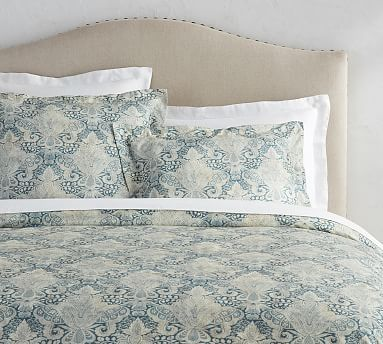 The Soulful History Of Old World Prints And Patterns Served As Inspiration For This Dreamy Damask Bedding Luxury Bedding Sets Duvet Covers Cheap Damask Bedding