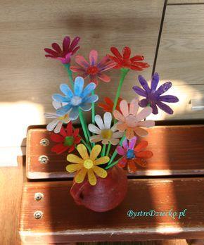 Stokrotki Astry Onetki I Inne Kwiatki Z Wytlaczanki Do Jaj Planter Pots Planters