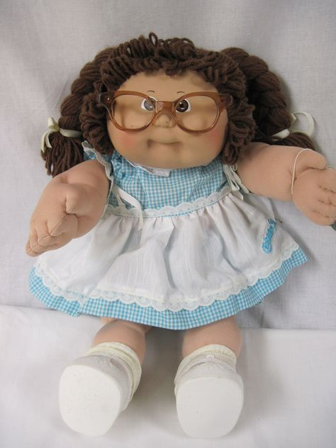 Vintage Cabbage Patch Kids girl doll, brown hair, brown eyes, not in box......mz