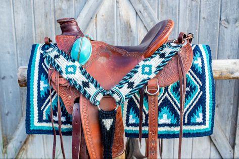 Mohair Cinches and Breast Collars — LB Arrow Cinch Co. Barrel Racing Saddles, Barrel Saddle, Barrel Racing Horses, Barrel Horse, Western Horse Saddles, Western Tack, Western Saddle Pads, Western Style, Horse Gear