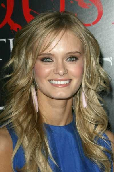 37 Top Long Layered Hairstyle Pics Long Layered Hair Layered Haircuts Haircuts For Long Hair With Layers