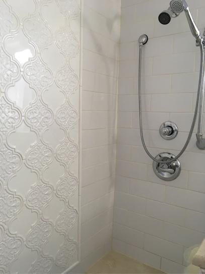 41 Fantastic Decorative Mosaic Tiles In 2020 Arabesque Tile Bathroom Bathroom Makeover Farmhouse Kitchen Design