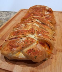 Spaghetti bread: it's a spaghetti dinner baked into a loaf of bread. Looks delicious (enough mozzarella to keep me in cheese-bliss!)