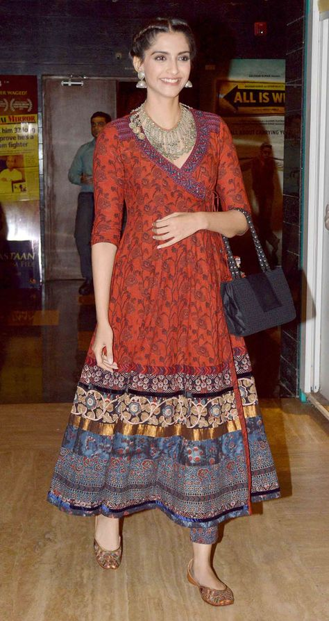 Sonam Kapoor, Ayushmann Khurrana, Ira Dubey and other popular Bollywood stars recently attended a special screening of the upcoming film 'Aisa Yeh Jahaan' held at a Mumbai multiplex