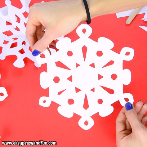 Love making simple crafts that can also be used as home decor? Then it's time to learn how to make paper snowflakes , as these are the best DIY winter decoration, and with our 20 printable templates – a super easy one to make.