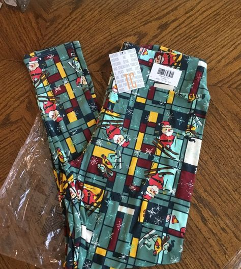 Lularoe Christmas Leggings 2019.This Is A New Pair Of Lularoe Christmas Leggings They Still
