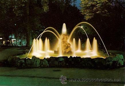 Oviedo Campo De San Francisco Fuente De La Rana Nocturna Oviedo San Francisco Viajes