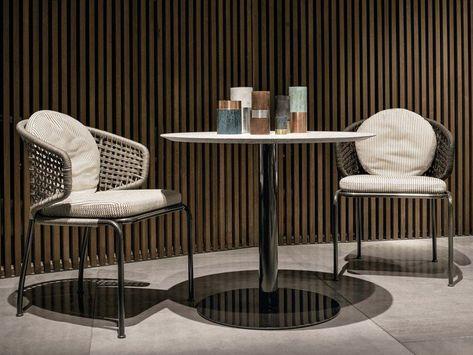 Table Et Chaise De Jardin Design En Materiaux Differents Table