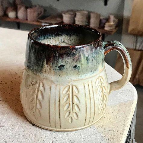 Excellent Totally Free Ceramics glaze ideas Tips Wonderful Photos Ceramics cups shapes Concepts Fantastic Photo Ceramics cups shapes Concepts <img Pottery Tools, Pottery Mugs, Ceramic Pottery, Pottery Art, Slab Pottery, Clay Mugs, Ceramic Clay, Ceramic Bowls, Porcelain Ceramic