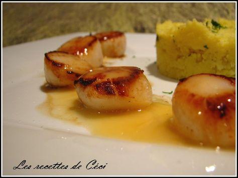 Noix de St Jacques, sauce au beurre citronnée et son écrasé de pdt