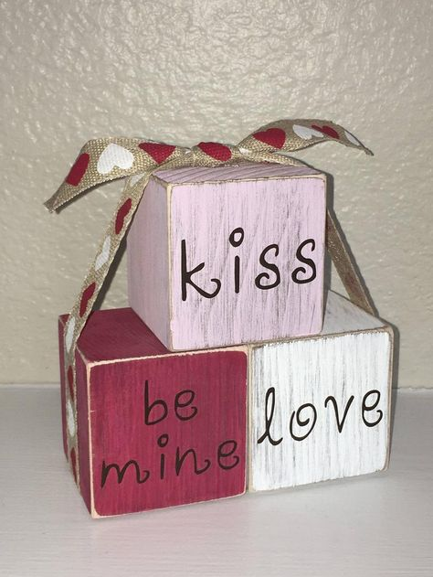 Valentines Day Food, Valentine Day Kiss, Vintage Valentines, Valentine Day Crafts, Holiday Crafts, Valentine Stuff, Valentine Ideas, Holiday Decor, Diy Valentine's Day Decorations