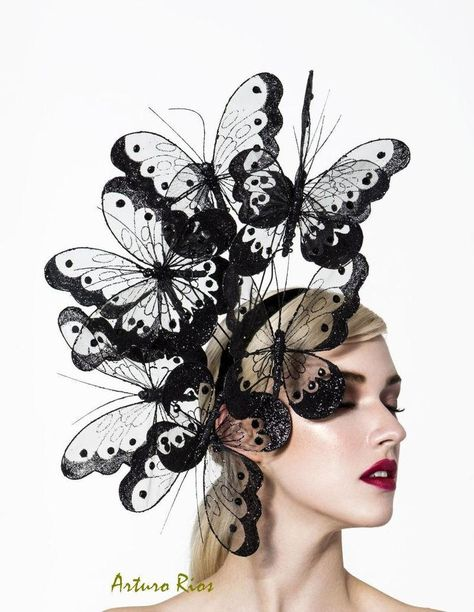 Hats for Women: Hopi, Black Butterfly Fascinator by Arturo Rios Costume Venitien, Crazy Hats, Kentucky Derby Hats, Fancy Hats, Love Hat, Halloween Kostüm, Red Hats, Headpieces, Fascinators