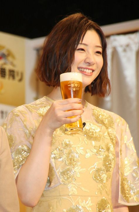 ビールcm 女優