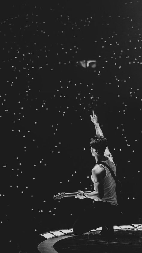 Pics Of Shawn Mendes, Shawn Mendes Concert, Shawn Mendes Cute, Aesthetic Photo, Aesthetic Pictures, Shawn Mendes Wallpaper, Mendes Army, Black And White Aesthetic, Jonas Brothers