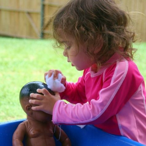 Toddler Learning - Focus Or Freedom? - Janet Lansbury