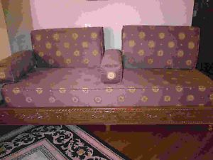 Un band marocain / Moroccan style sofa - City of Montréal Furniture ...