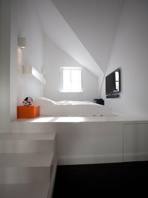 Ein Podest fürs Kinderzimmer mit eingelassenem Bett Hier zwar in