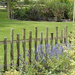 25+ Ideas For Decorating Your Garden Fence (DIY) | Garden Fencing, Rustic