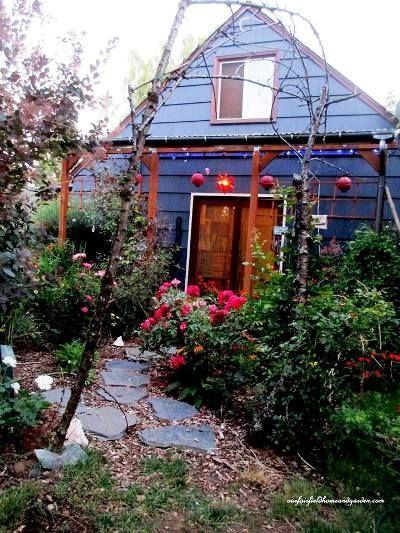 Dreamy Flea Market Garden Cottages Cottages Creativegardenideasfleamarkets Dreamy Flea Bauerngarten Hutte Gartenhauser Hinterhof Ruckzug