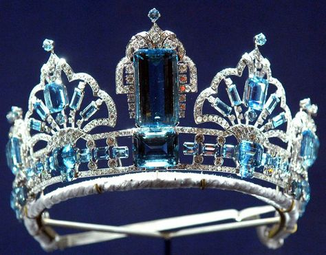 Close up  - Brazilian Aquamarine Tiara owned by Queen Elizabeth