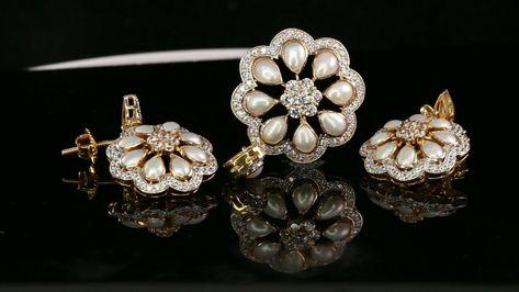 22k Pendant Set Solid Gold ELEGANT Classic Floral Pearl Pendant Set p2138 #22k #earringdesign #earringshop #earrings #dress #jewelrysale #dropearrings #earringmalaysia #instadaily #metalsmith