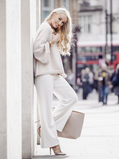 What I Wore to London Fashion Week I used to find it intimidating choosing what to wear for London Fashion Week. There seemed to be a lot of pressure for choosing an outfit that would…