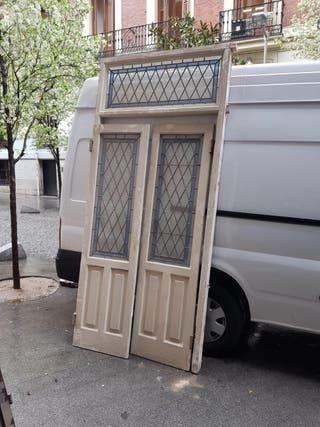 Puertas Dobles De Entrada Antiguas Con Cristales Emplomados De Color Azul Y Blanco En Vidriera Medidas Con Marco 2 Puertas Dobles Puertas Puertas De Aluminio
